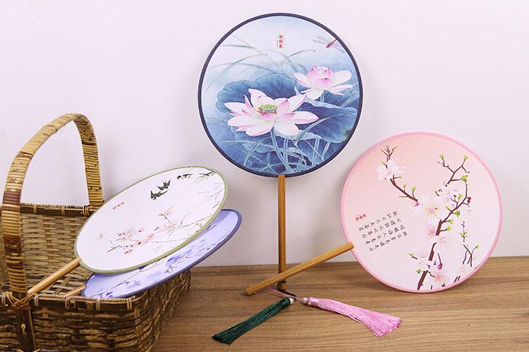 round painting fan hanfu