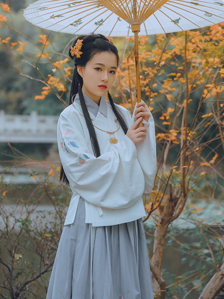 cleome flower women hanfu