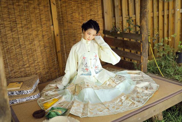 ming style hanfu clothing