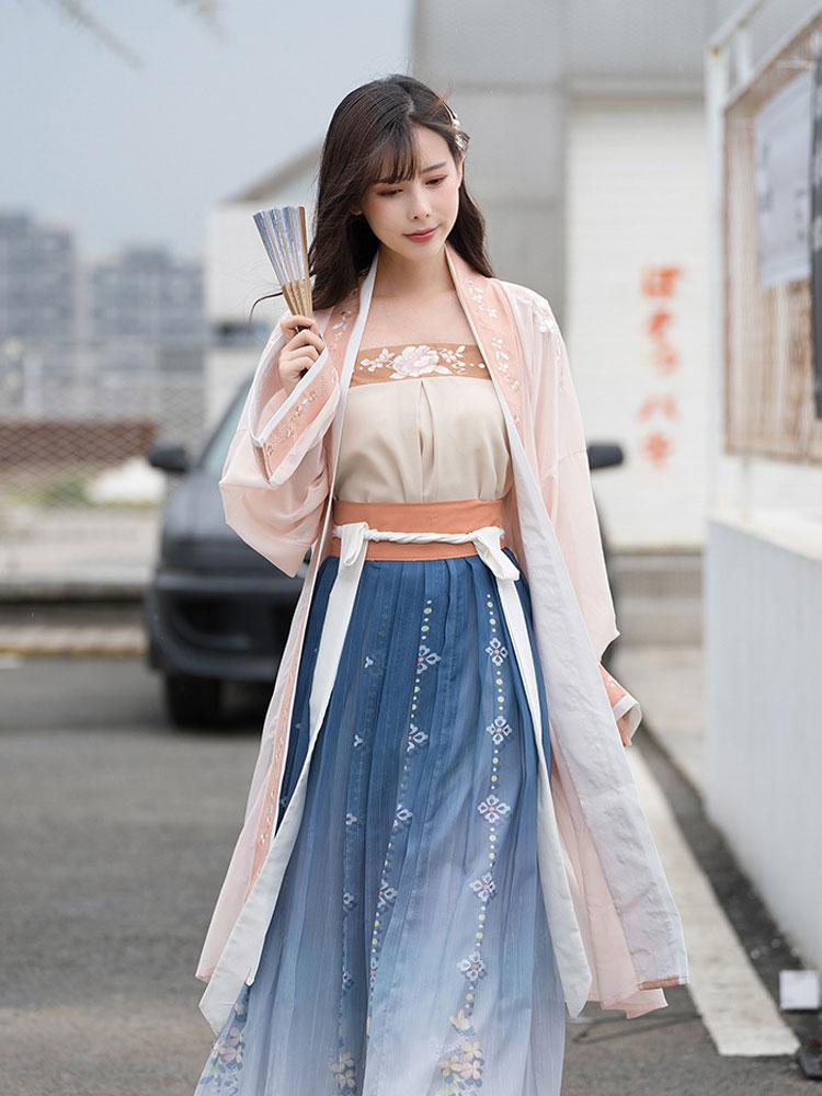 Summer Blossom Han Fu Shop
