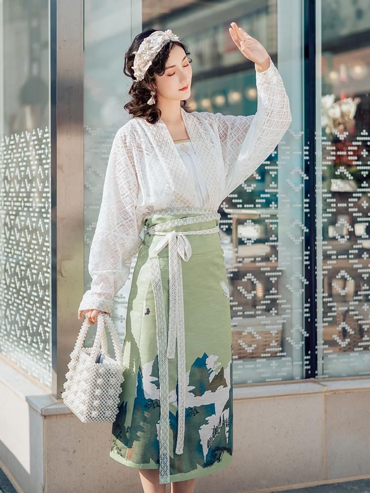 Fairy Mountain White Lace Hanfu